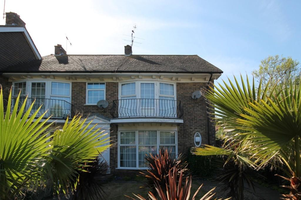3 Bedrooms End Of Terrace House for sale in Mill Road, North Lancing, BN15 0PT