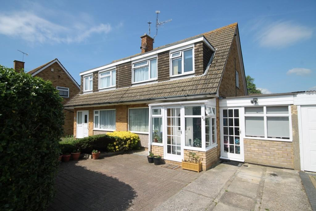3 Bedrooms Semi Detached House for sale in Upton Gardens, Worthing BN13 1DA