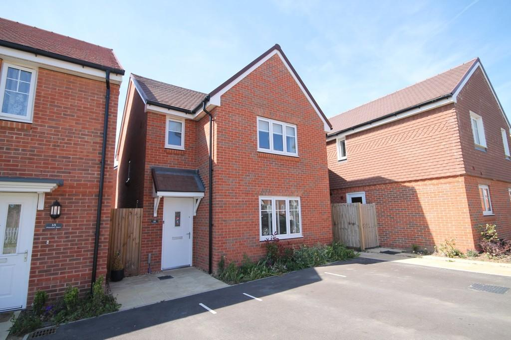 3 Bedrooms Detached House for sale in Primrose Place, Worthing BN13 3FQ
