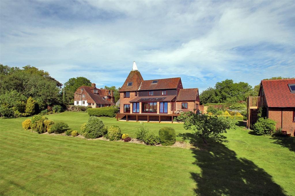4 Bedrooms Detached House for sale in Hawkhurst Road, Cranbrook, Kent, TN17