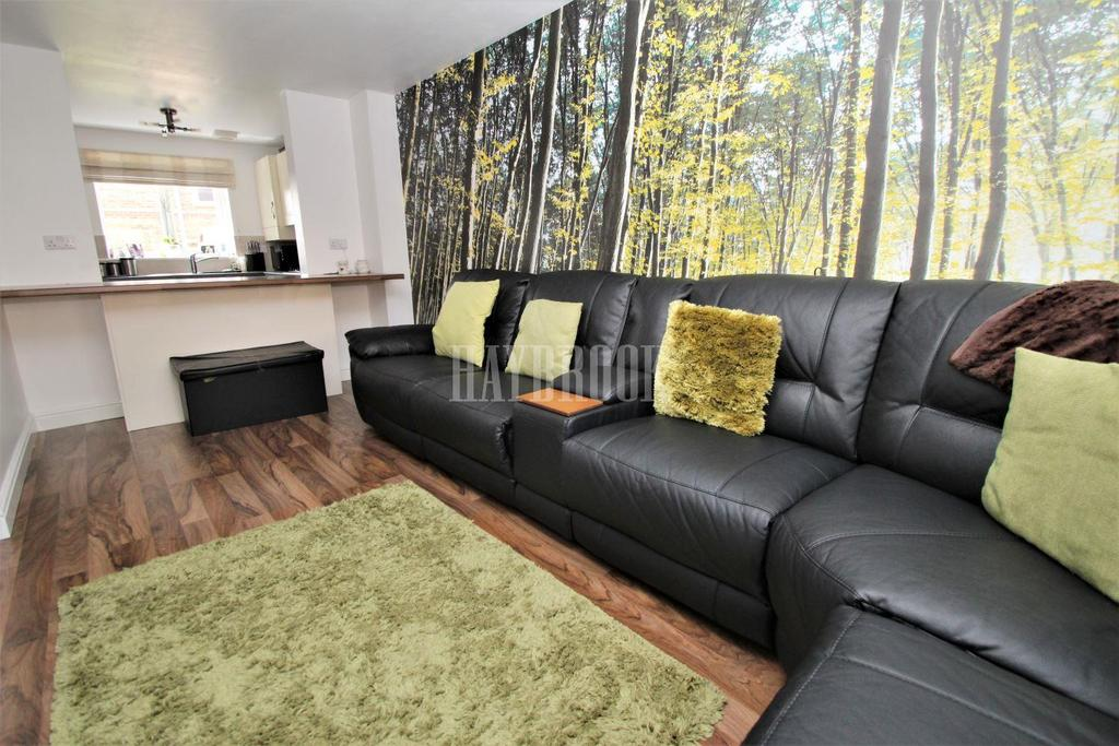 4 Bedrooms Terraced House for sale in Pearwood Close, Goldthorpe
