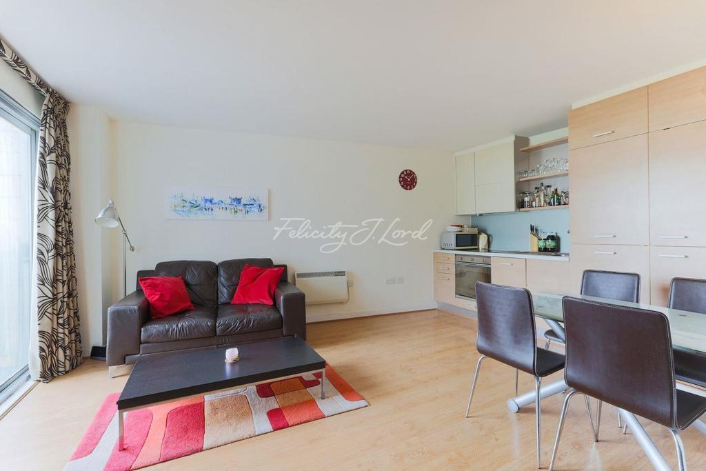 Studio Flat for sale in Deals Gateway, Lewisham, SE13