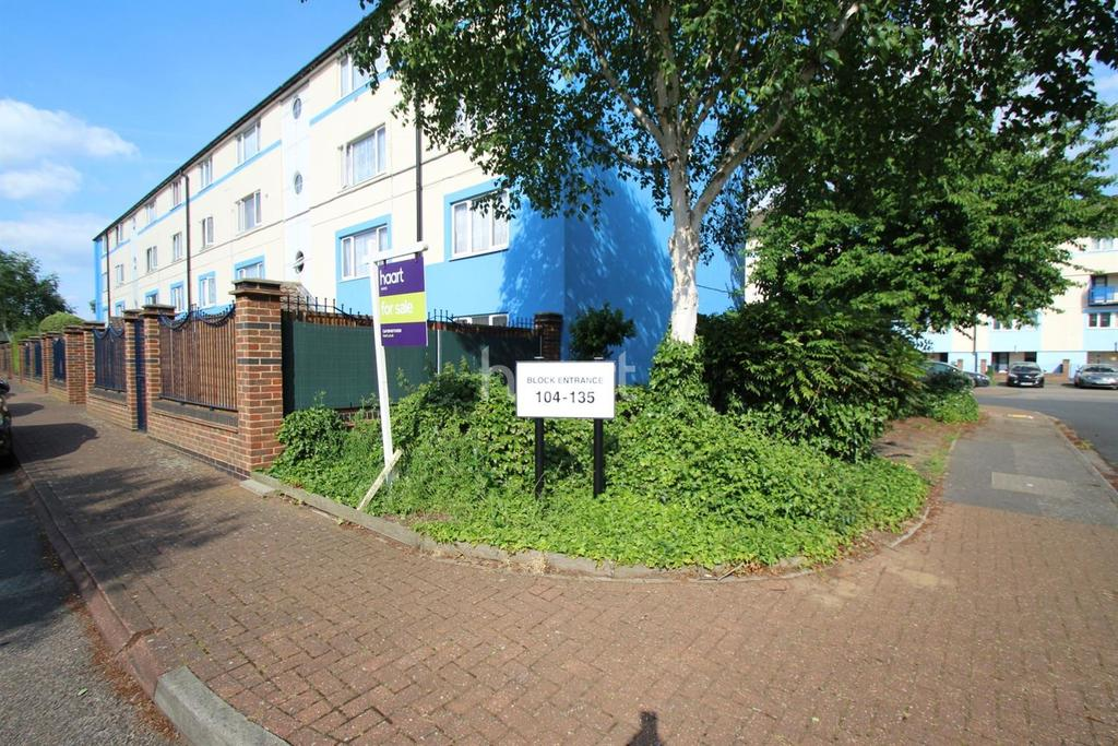 2 Bedrooms Flat for sale in Hounslow
