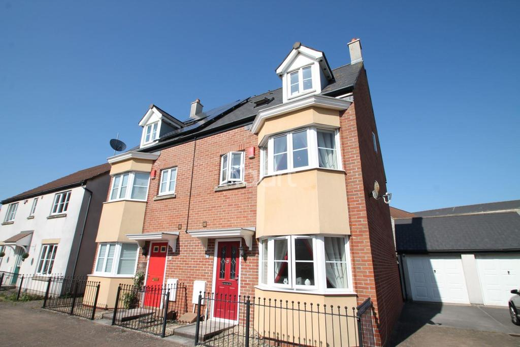 3 Bedrooms Semi Detached House for sale in Walkers Drive