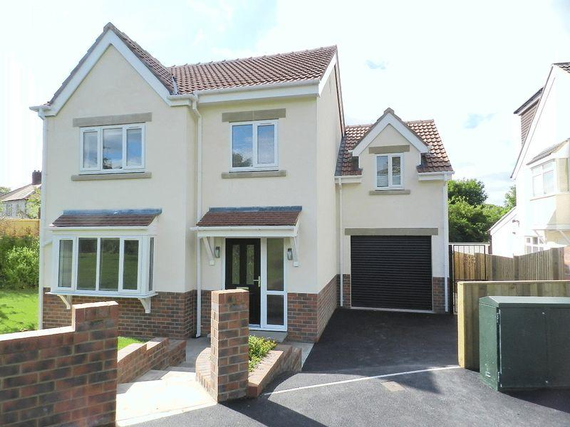 4 Bedrooms Detached House for sale in Green View, Leeds