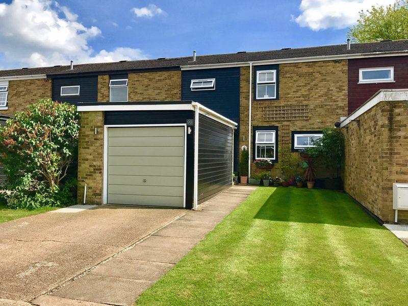 3 Bedrooms Terraced House for sale in The Maples, Harlow, Essex