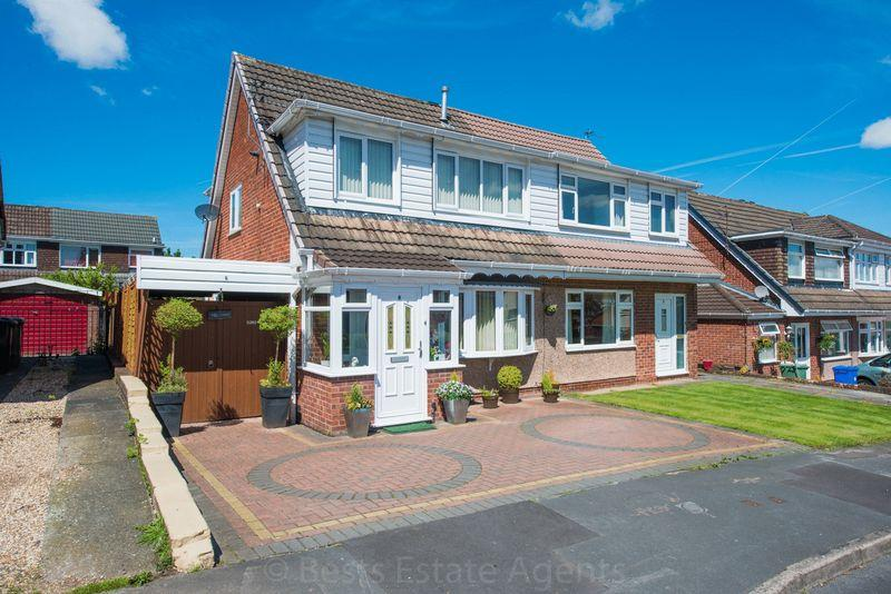 3 Bedrooms Semi Detached House for sale in Leyton Close, Runcorn
