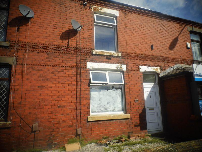 2 Bedrooms Terraced House for rent in Wigan Road, Westhoughton