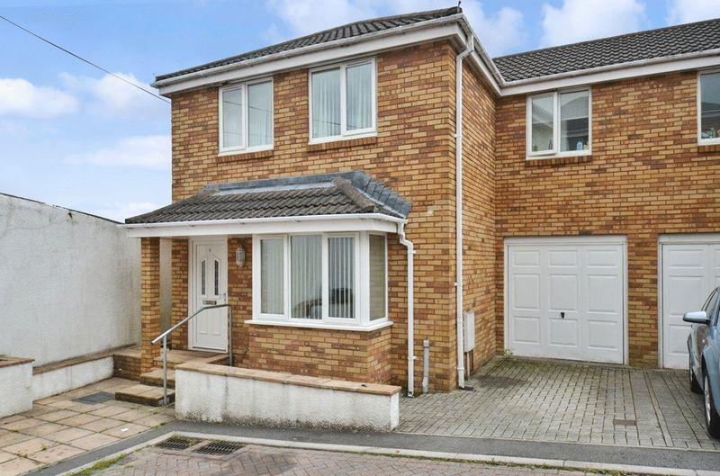 3 Bedrooms End Of Terrace House for sale in Chudleigh Knighton