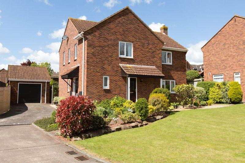 4 Bedrooms Detached House for sale in Popes Close, Crediton