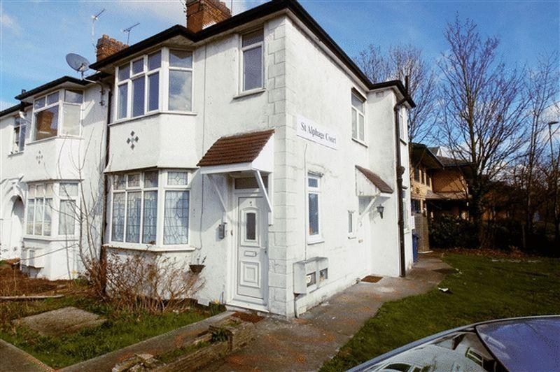 1 Bedroom Ground Maisonette Flat for sale in St. Alphage Court, Colindeep Lane, Colindale, London, NW9 6BU