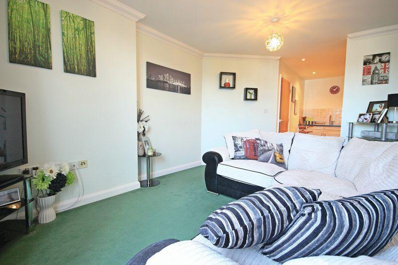 2 Bedrooms Apartment Flat for sale in 118 Midland Road, Luton