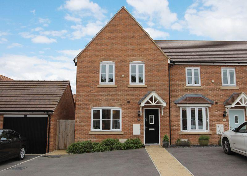 3 Bedrooms Terraced House for sale in Potteries Lane, Chilton