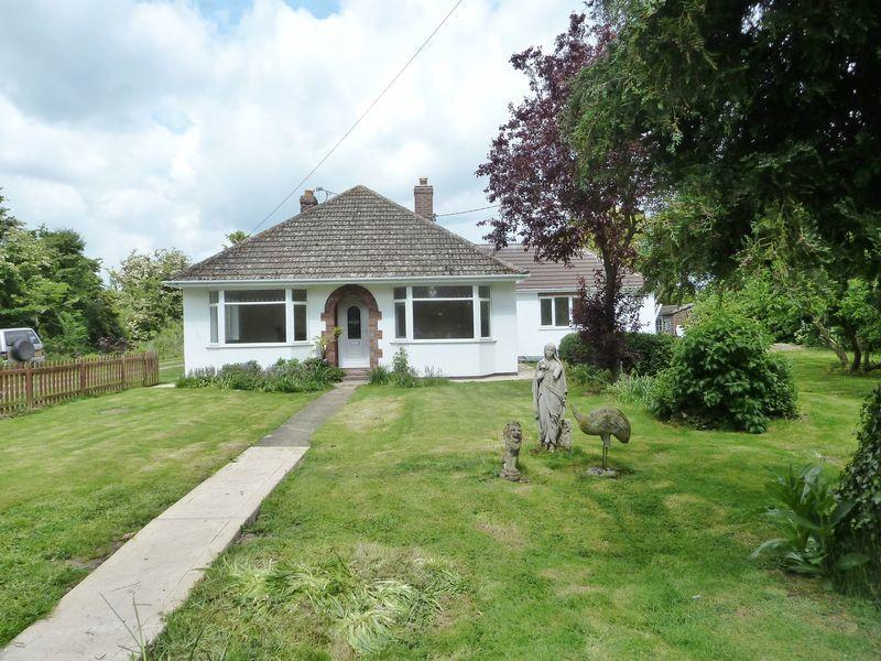 3 Bedrooms Detached Bungalow for sale in Orby Road, Skegness