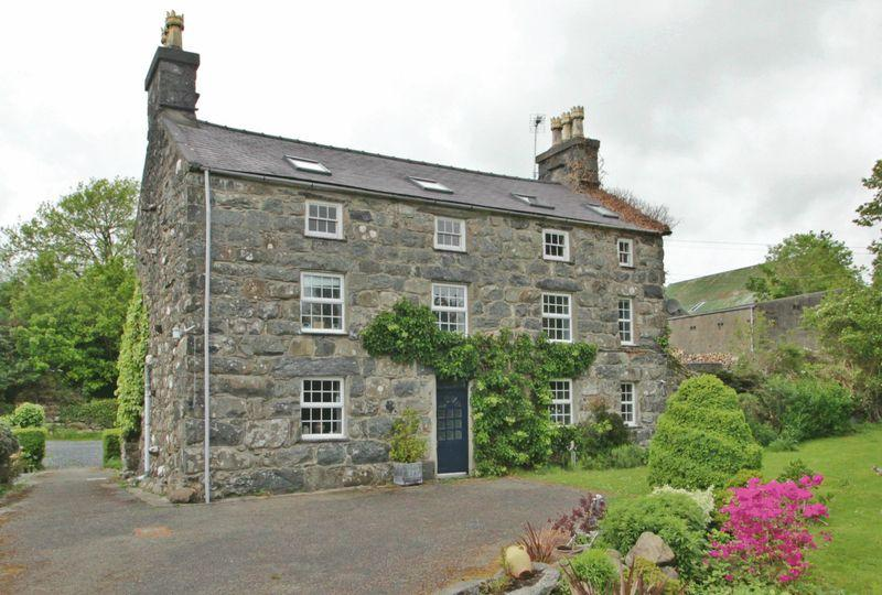 6 Bedrooms Country House Character Property for sale in Llanystumdwy, Criccieth