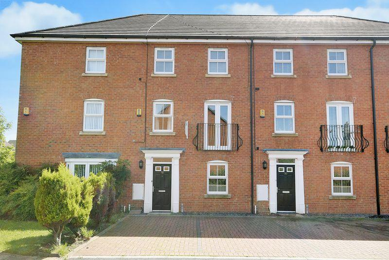 4 Bedrooms Town House for sale in Lingwell Park, Widnes