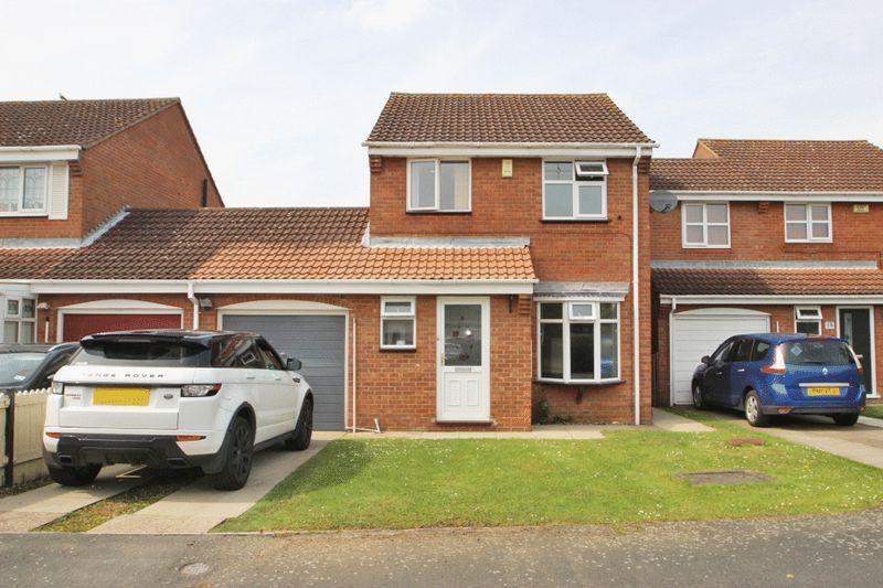 3 Bedrooms Detached House for sale in OBAN COURT, IMMINGHAM