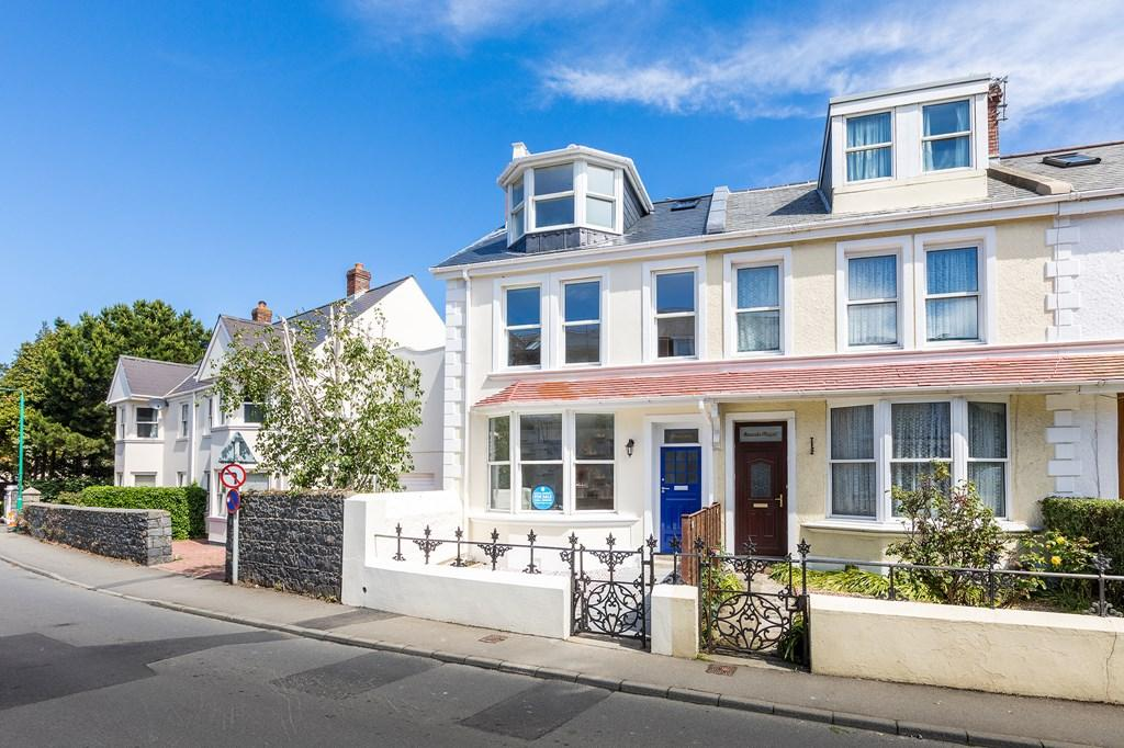 Elm grove st peter port guernsey 3 bed end of terrace for The terrace land and house