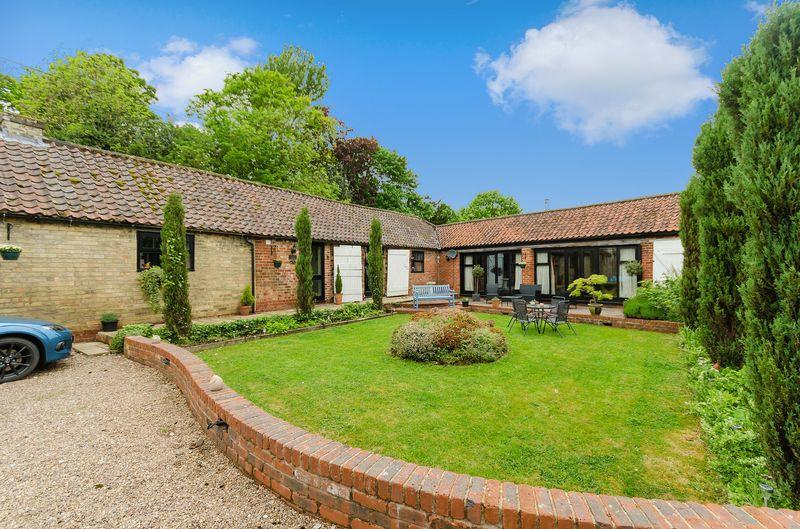 4 Bedrooms Barn Conversion Character Property for sale in Church View Barn, Stow Road, Willingham by Stow