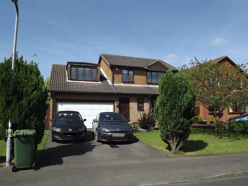 4 Bedrooms Detached House for sale in Hatfield Drive, Seghill