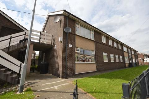 2 bedroom flat for sale   Raven Avenue  Oldham. Flats For Sale In Oldham   Latest Apartments   OnTheMarket
