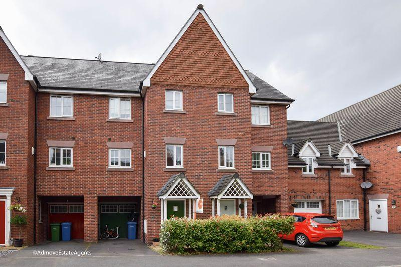 4 Bedrooms House for sale in Farcroft Close, Lymm