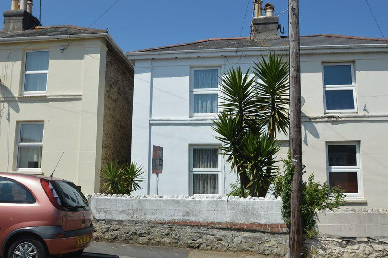 2 Bedrooms Semi Detached House for sale in CENTRAL RYDE