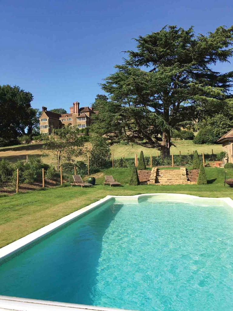 Chinthurst Hill Wonersh Guildford Surrey Gu5 10 Bed Character Property For Sale 16 000 000