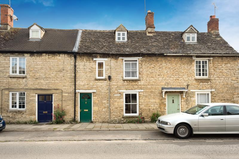 3 Bedrooms Terraced House for sale in West End, Witney, Oxfordshire