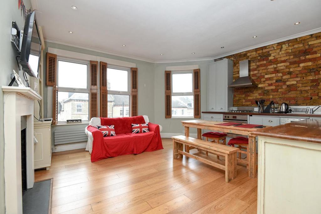 1 Bedroom Flat for sale in Battersea Rise, Battersea