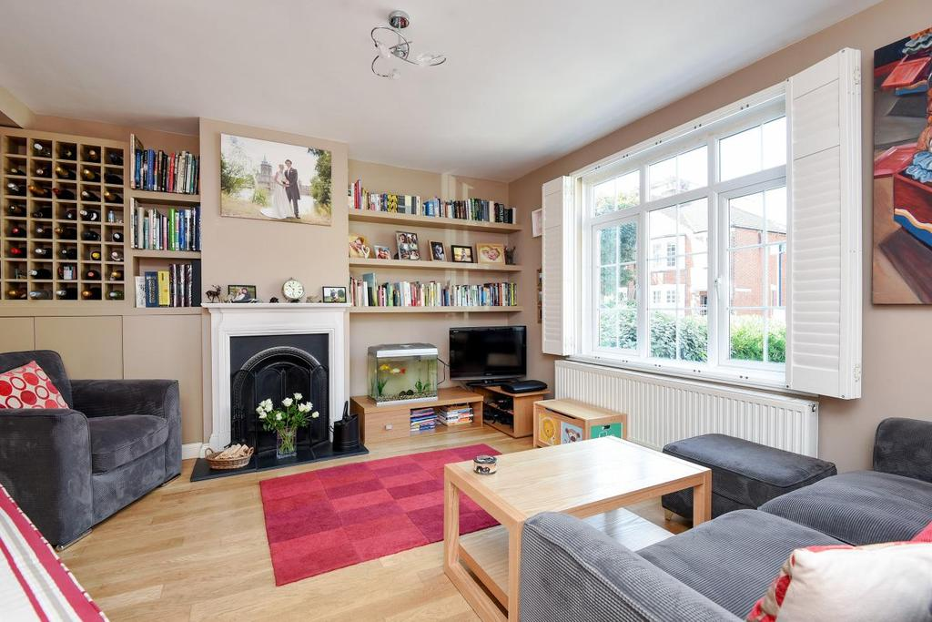 3 Bedrooms Terraced House for sale in Swaby Road, Earlsfield, SW18