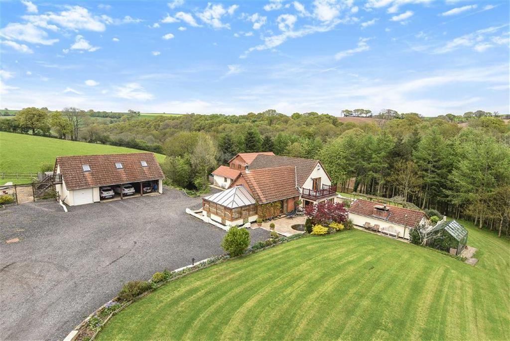 5 Bedrooms Detached House for sale in Tedburn St Mary, Exeter, Devon, EX6