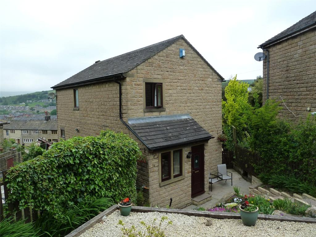 3 Bedrooms Detached House for sale in Bouldergate, Marsden, Huddersfield, West Yorkshire, HD7