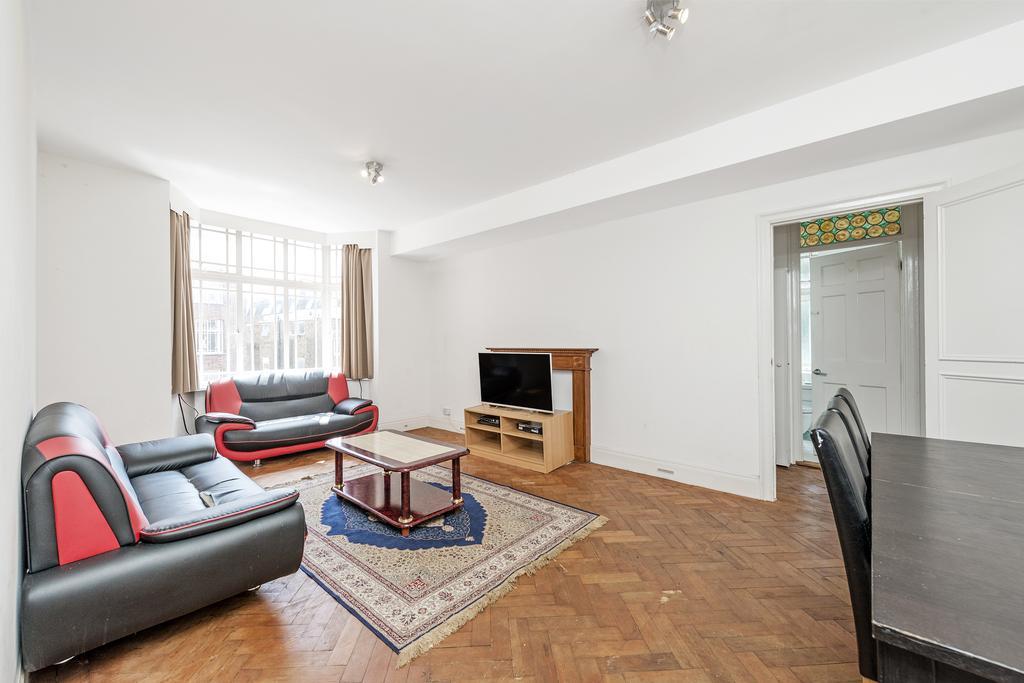3 Bedrooms Flat for sale in Arthur Court, Queensway, W2