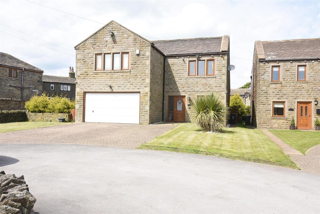 5 Bedrooms Detached House for sale in Calder View Court, Shelf, Halifax