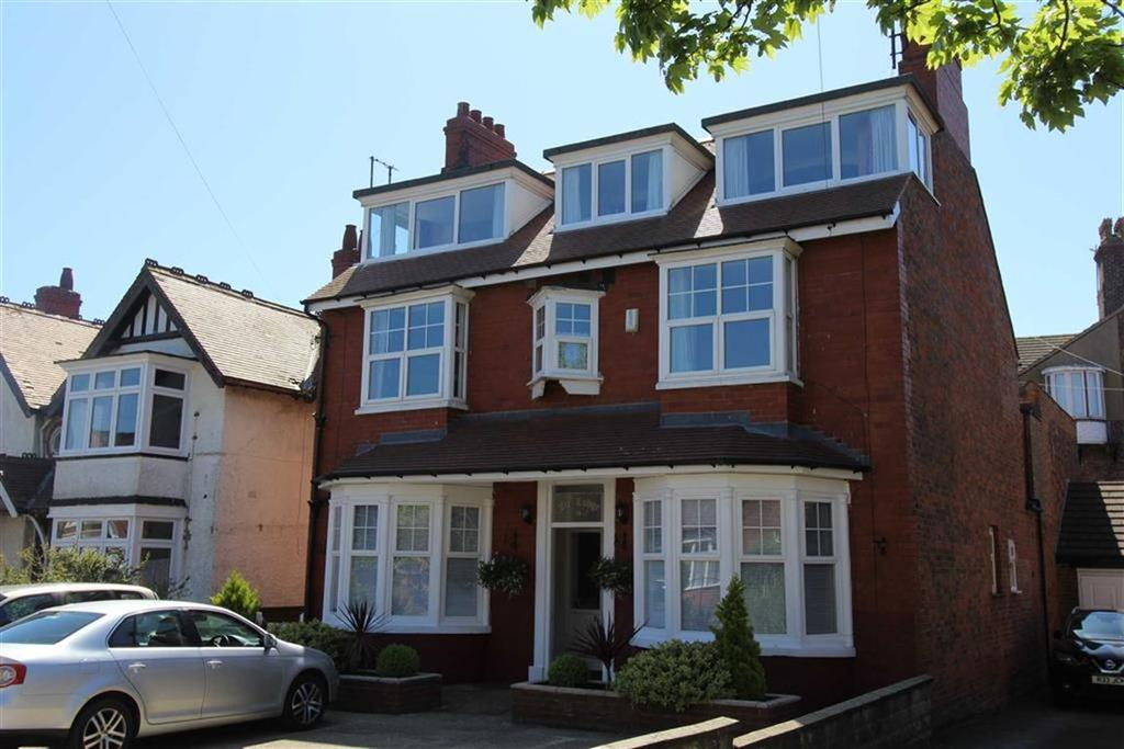 Detached House for sale in Sands Lane, Bridlington, YO15