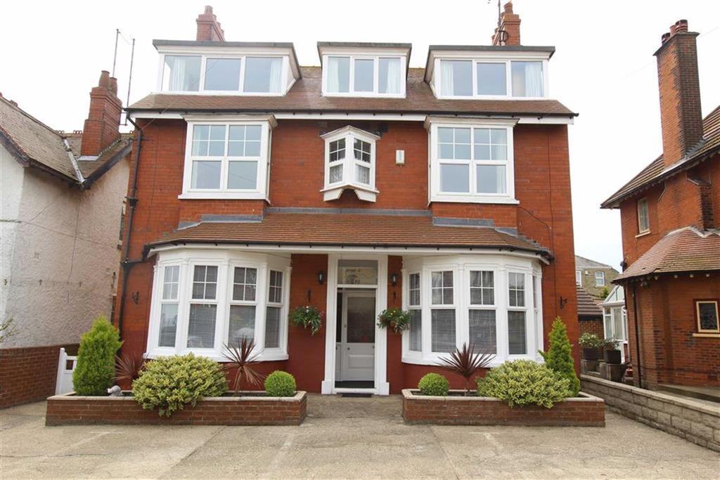 Detached House for sale in Sands Lane, Bridlington, YO15