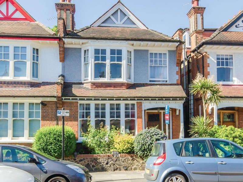 4 Bedrooms Semi Detached House for sale in Woodberry Crescent, N10