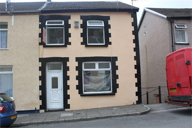 3 Bedrooms End Of Terrace House for sale in Woodland Road, Tylerstown, Pontygwaith, RCT. CF43 3ND