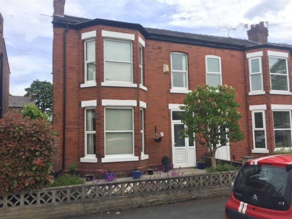 4 Bedrooms End Of Terrace House for sale in Carlton Road, Sale