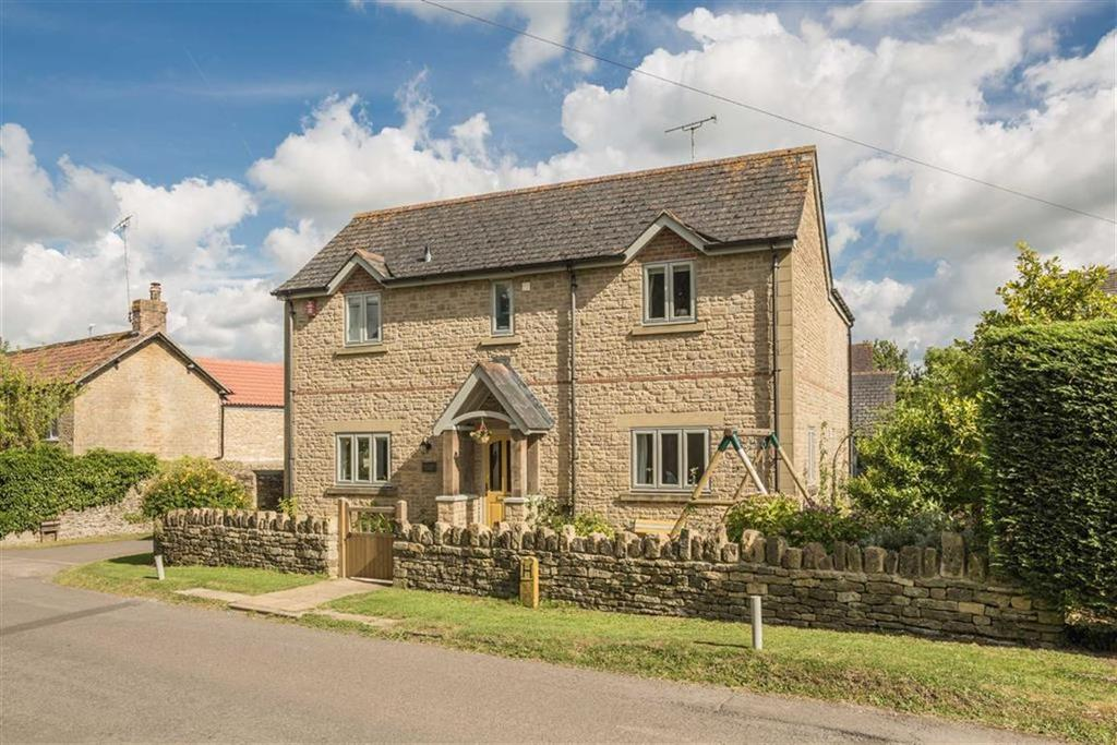 5 Bedrooms Detached House for sale in The Street, Lea, Wiltshire