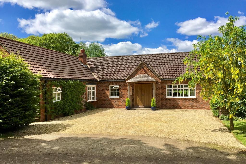 5 Bedrooms House for sale in Dauby Lane, Between Kexby Elvington, York