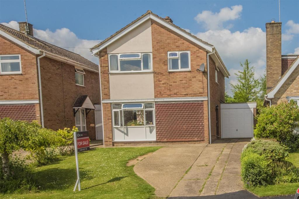 4 Bedrooms Detached House for sale in Buttmead, Blisworth, Northampton