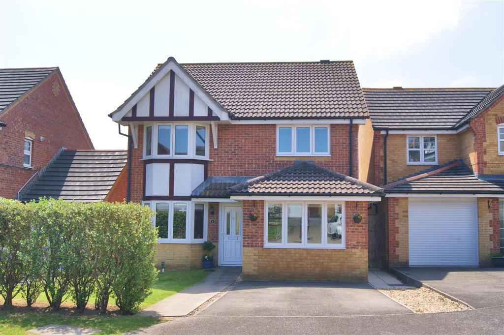 4 Bedrooms House for sale in Spindleberry Close, Newport