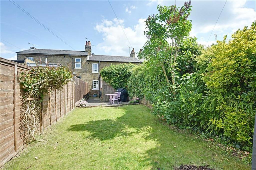 2 Bedrooms Terraced House for sale in Byde Street, Bengeo, Herts, SG14
