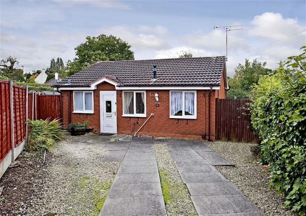 2 Bedrooms Detached Bungalow for sale in 178a, Westacre Crescent, Finchfield, Wolverhampton, West Midlands, WV3