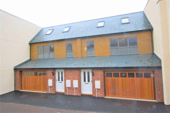 3 Bedrooms Semi Detached House for sale in Minehead