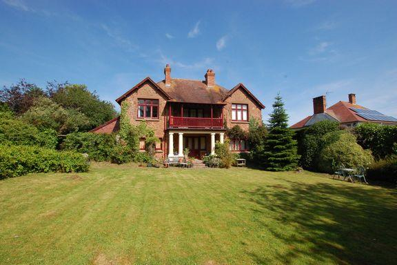 5 Bedrooms Detached House for sale in Minehead