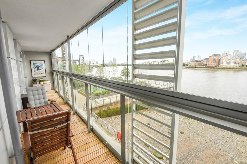 3 Bedrooms Flat for sale in Canary View Dowells Street SE10