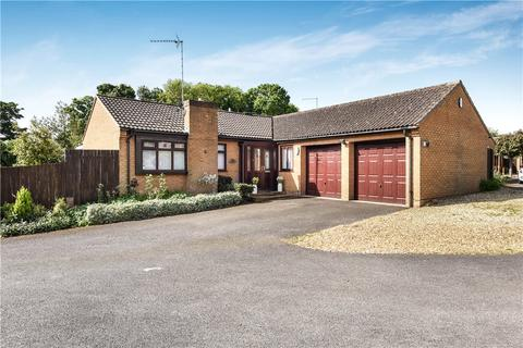 3 bedroom detached bungalow for sale - Strawberry Hill, Great Billing, Northamptonshire